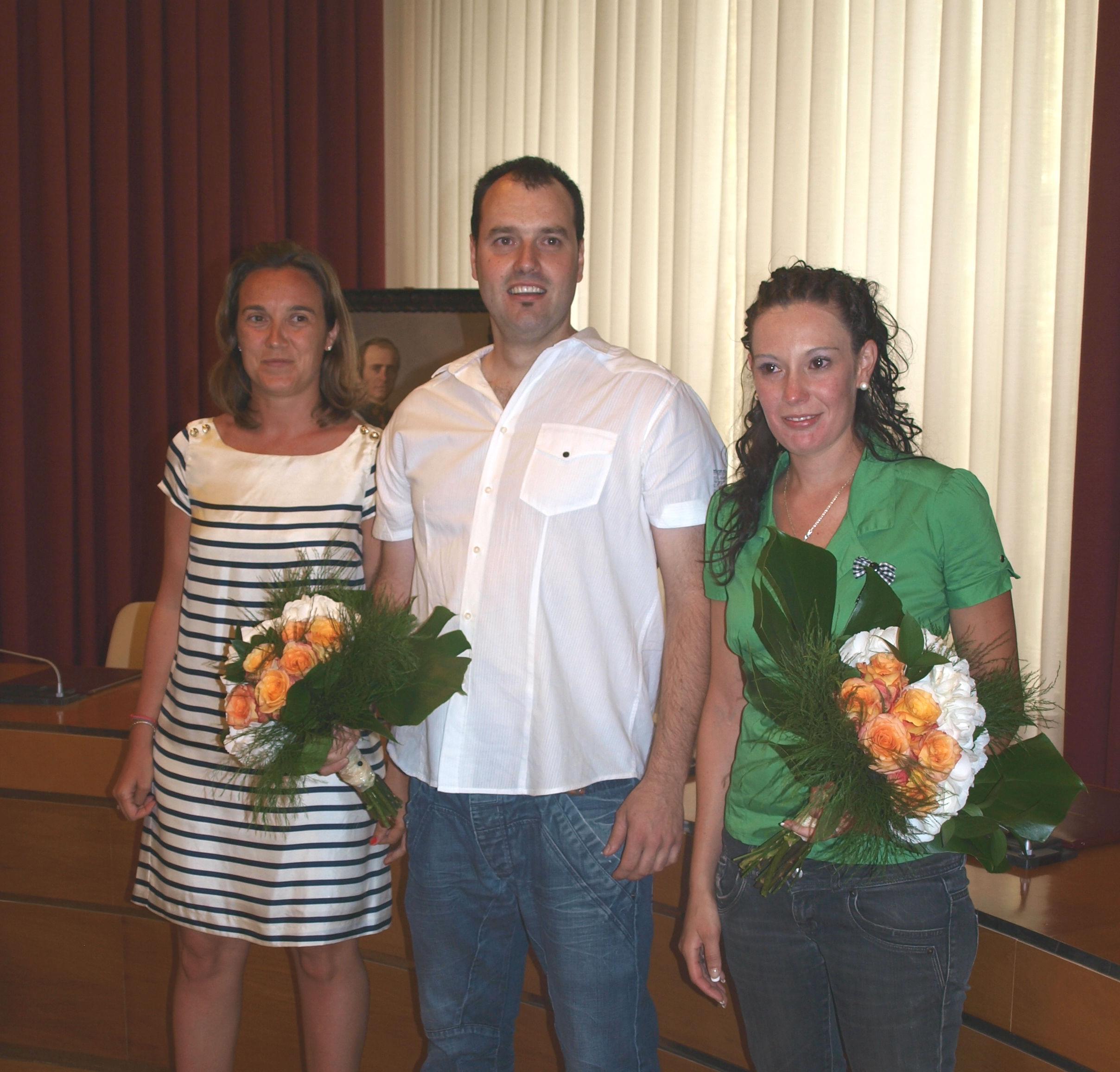 Cristina algarabide y scar fern ndez proclamados vendimiadores 2011 - Casa paz logrono ...